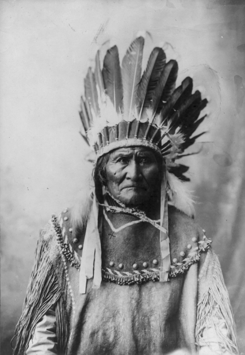 An introduction to the leader geronimo the man